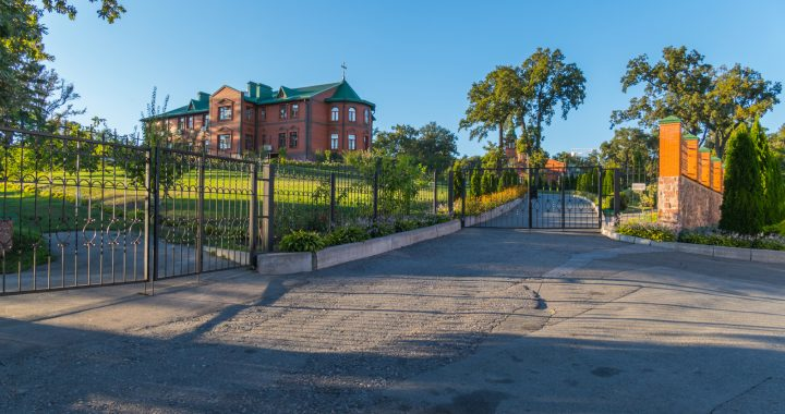 How You Can Benefit From Living In A Private Gated Community